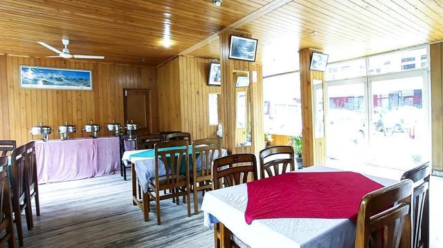 hotel-valley-view-crest-dharamshala-restaurant-28623194fs