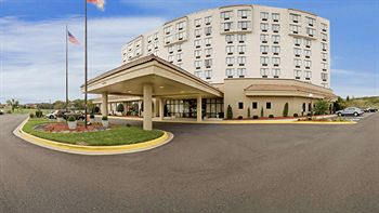 Clarion Hotel A 2 Star Rated In Oxon Hill