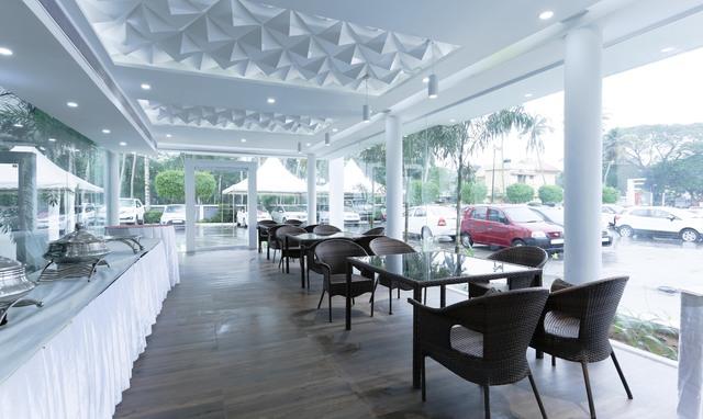 Restaurant_(13)-HDR-Edit
