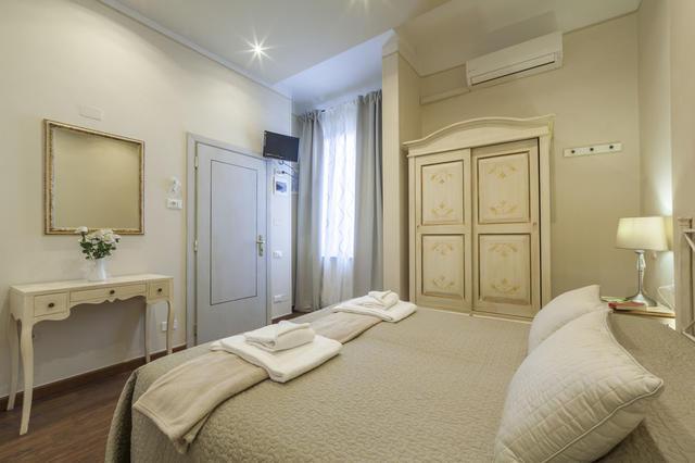 Soggiorno Pezzati Daniela, Florence. Use Coupon Code HOTELS & Get 10 ...