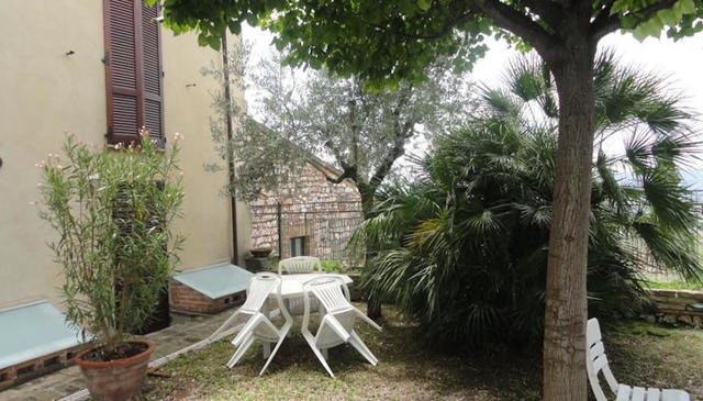 Residence La Terrazza, Spello. Use Coupon Code HOTELS & Get 10% OFF.