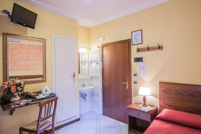 Soggiorno Alessandra, Florence. Use Coupon Code HOTELS & Get ...