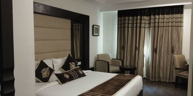 Premier_room_with_double_bed
