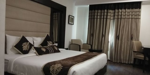Royal_Room2