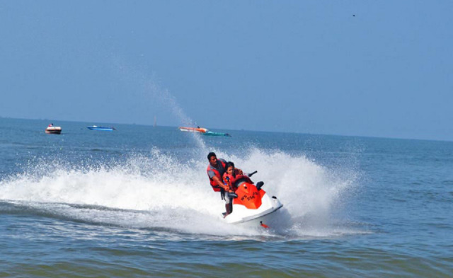 jet-ski-self-ride-calangute-beach-goa