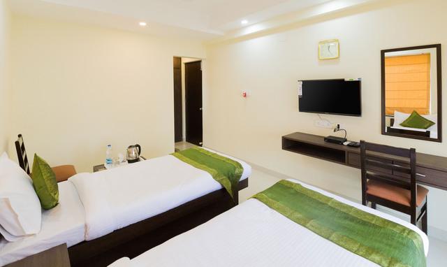 Oak_Room___bathroom12