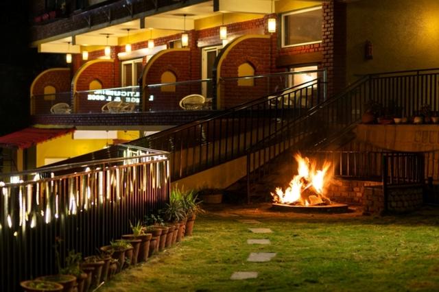 Nirvana_Lodge___Lounge-_Market_My_Hotel_(4)(1)