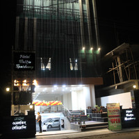Hotel_Front_View_(2)