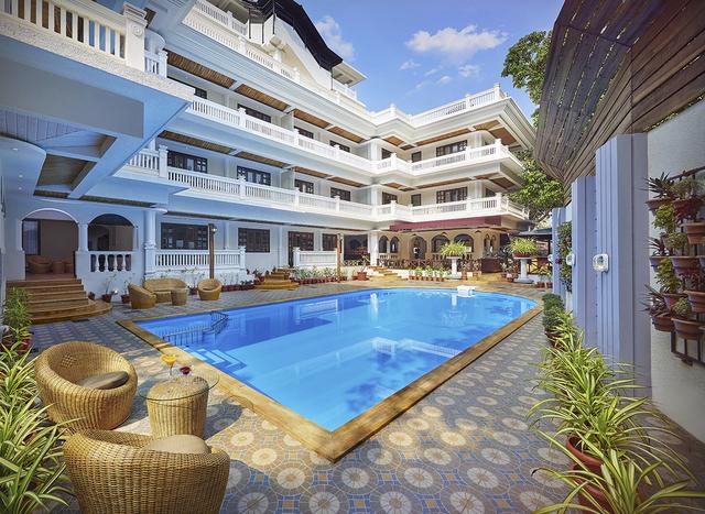 Ziva_Suites_Pool_View