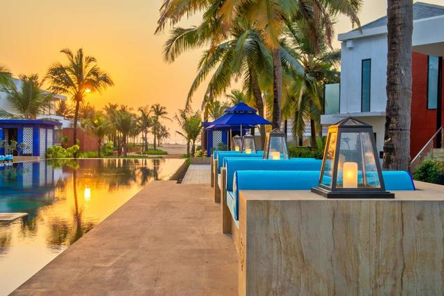 Azaya beach resort goa goa room rates reviews deals for Resorts in goa with private swimming pool