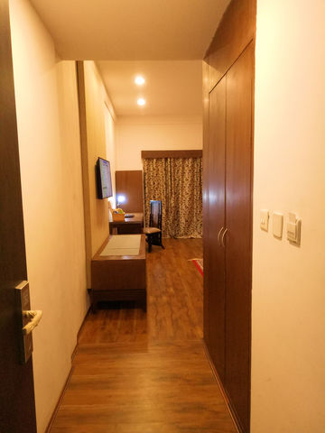 Room_Entrance_