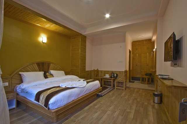 driftwood-inn-cottage-manali-deluxe-room-137156227220-jpeg-fs
