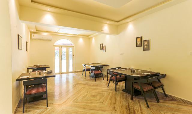 Restaurant_(7)-HDR