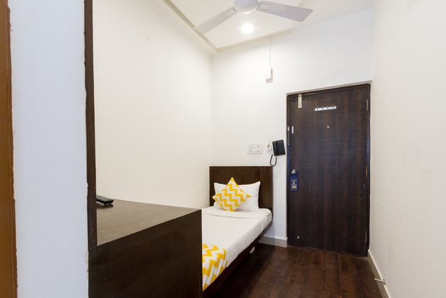17_Standard_Room