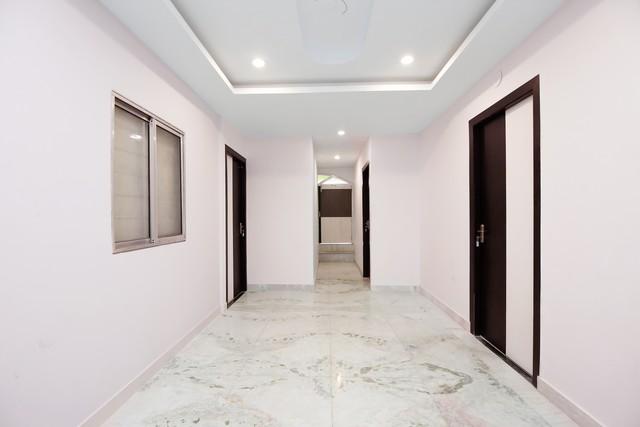 9.Hallway