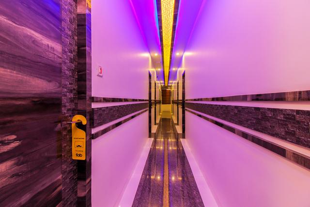 9_Hallway