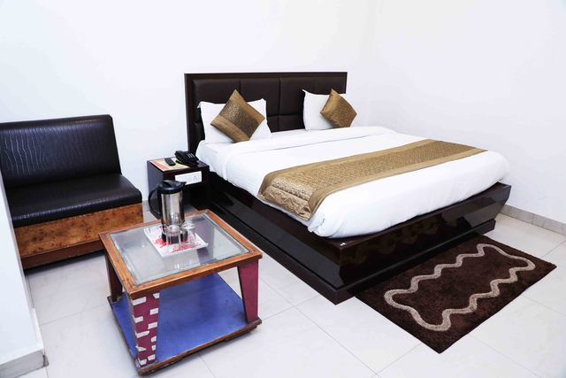 Hotel_Kumar_palace_(1)