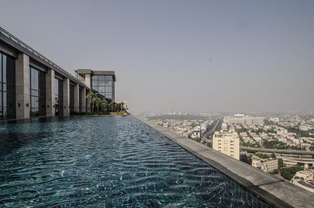 Infinity_Swimming_pool