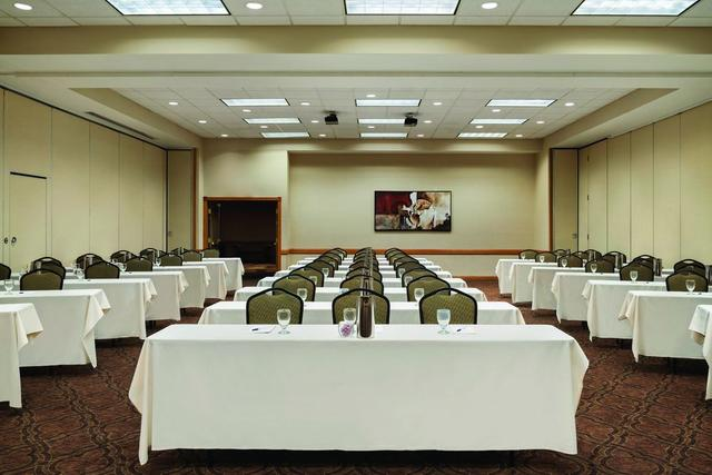 Country Inn & Suites by Radisson, Mankato Hotel and Conference ...