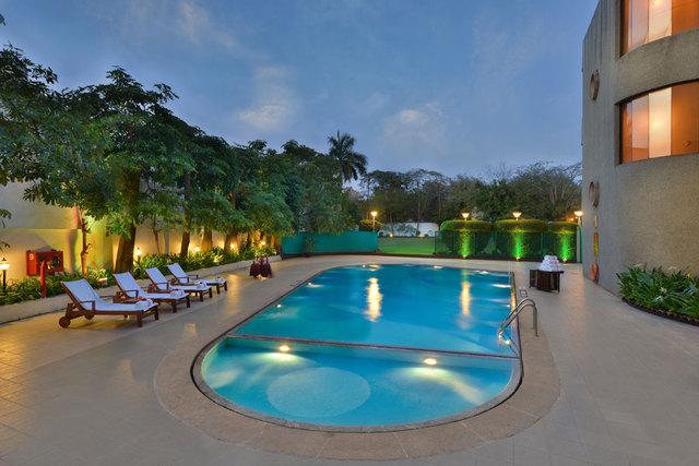 The taj gateway hotel akota in vadodara check price genuine reviews maps photos cleartrip for Hotel shambala swimming pool price
