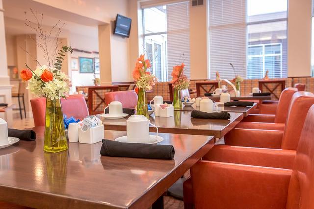 dining area - Hilton Garden Inn Oshkosh