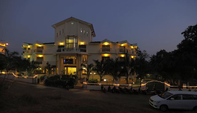 Hotel_Exterior_01