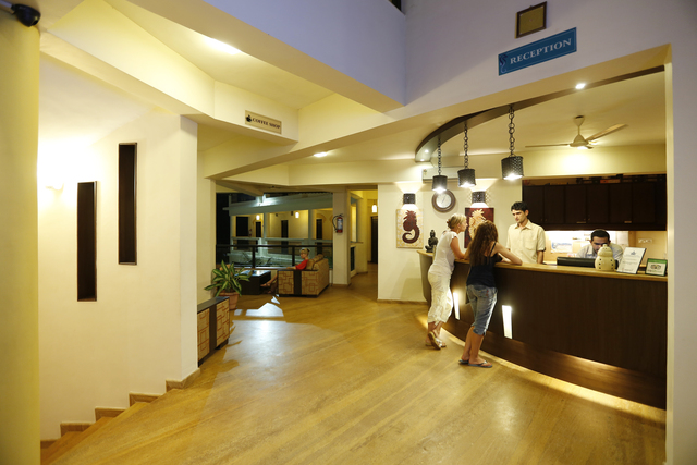 Hotel_Lobby_01