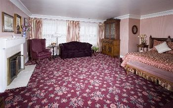 The Mendocino Hotel and Garden Suites Mendocino Use Coupon