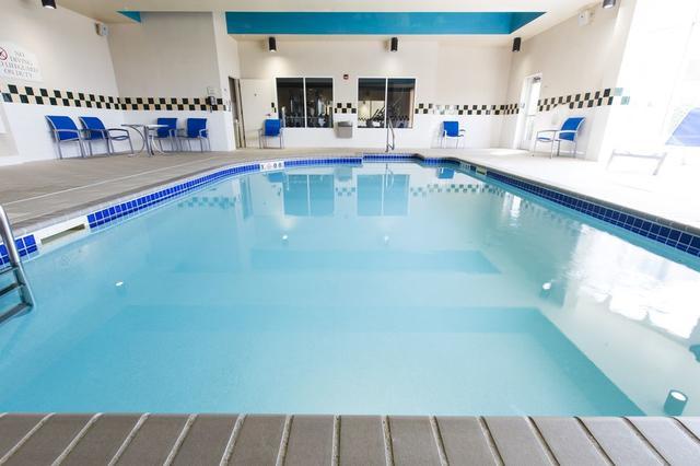 swimming pool - Hilton Garden Inn Grand Forks