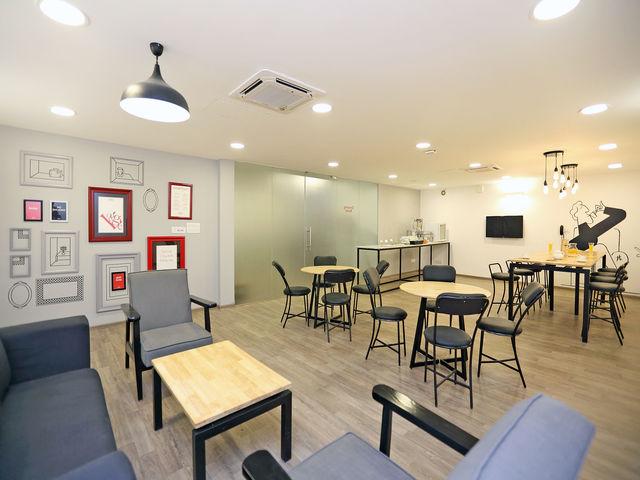 14__Restaurant-Bar