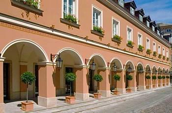 Hotel Bristol Warsaw Valet Parking