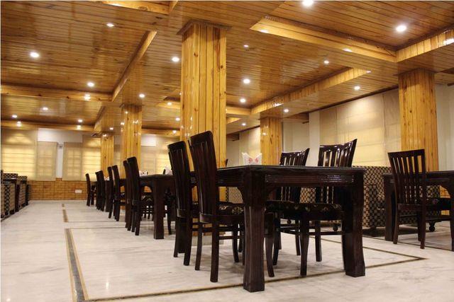 Dining_Area_(2)