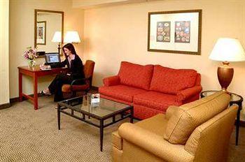 1100578_11_b - Hilton Garden Inn Kankakee