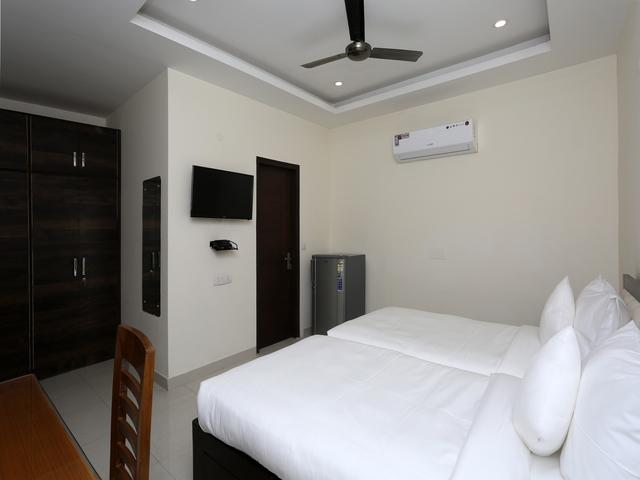 12__Room
