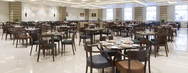 3278-Main_Restaurant_2