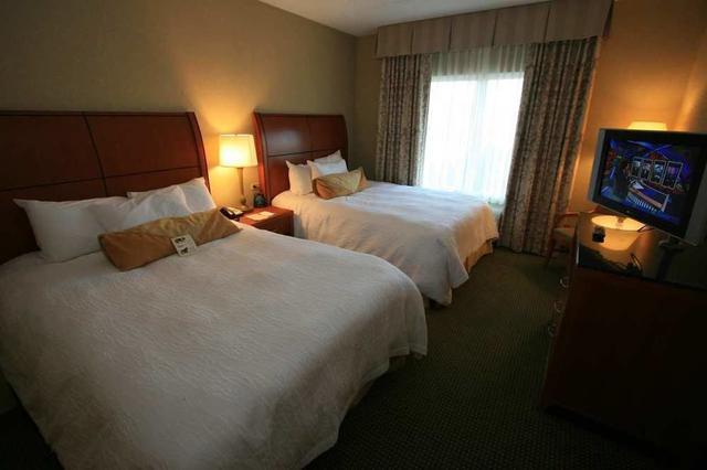 1691977_34 - Hilton Garden Inn Hattiesburg