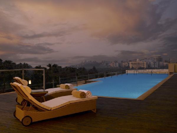 Roof_top_Infinity_Pool