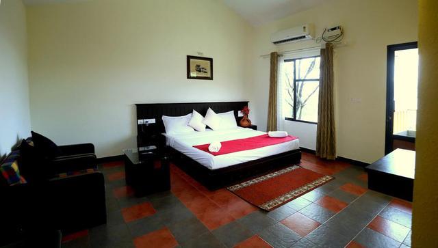 honeymoon_ac_suite