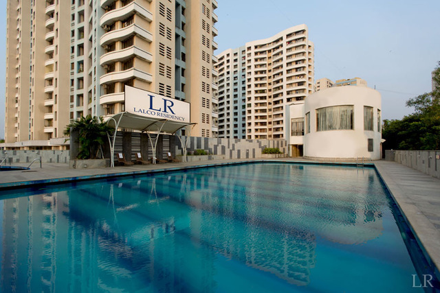 Lalco_Residency_-_Swimming_Pool_(1)