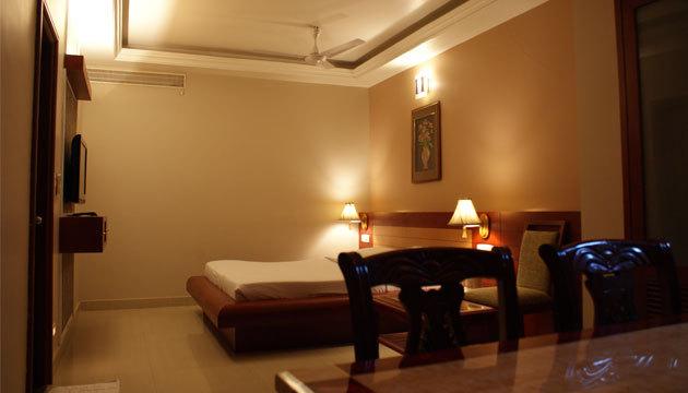 Guest_Room__1_
