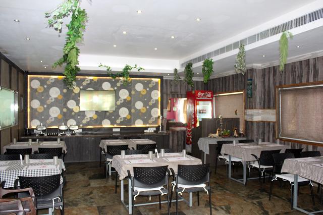 Restaurant_(4)