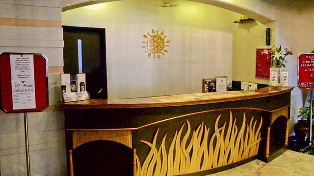 nazri-resort-goa-lobby-28610571fs
