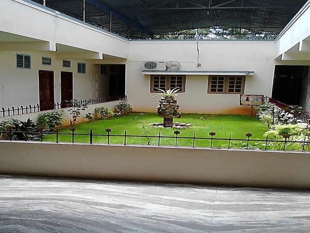 Copy_of_Hotel_Garden
