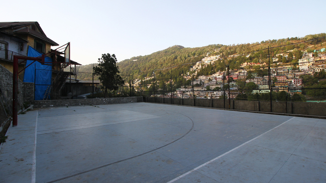 Hotel_Himalaya_Basket_Ball_Ground_(2)_hdi