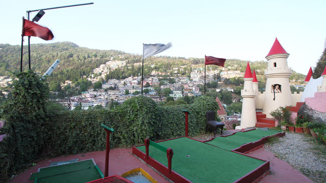 Hotel_Himalaya_Mini_Golf_Club_(1)_hdi