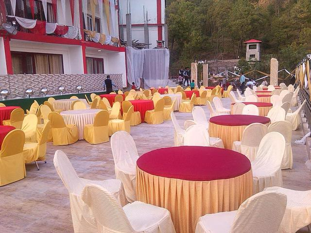 hotel-shivalik-kasauli-banqueting-on-terrace-65224349648fs