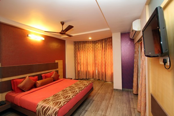 Suite_Room__12_