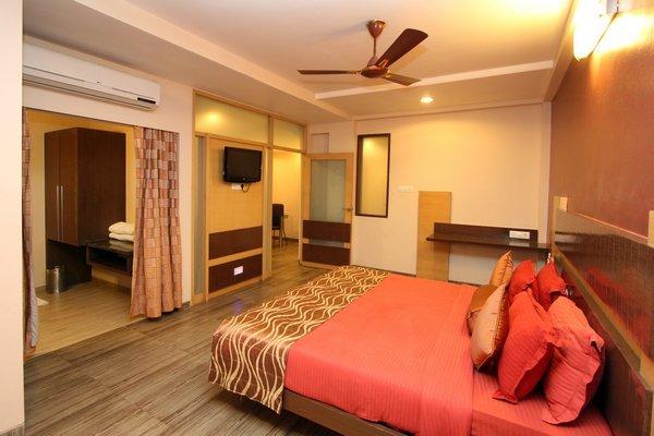 Suite_Room__17_