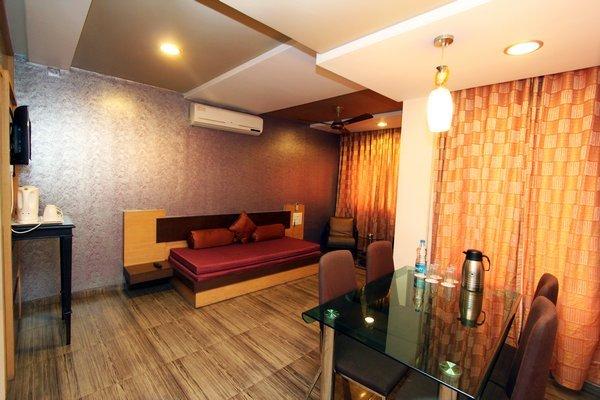 Suite_Room__2_