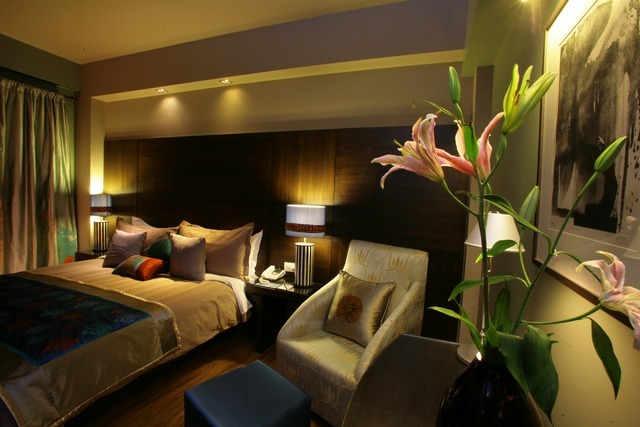 LUX_Room_1